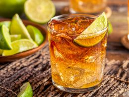 rum and coke in short glass with slice of lime easy cocktails to make