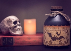 12 Cheap Halloween Decorations That You'll Simply Die For