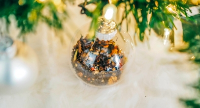8 Unique Glass Christmas Ornaments To Perfect Your Christmas Decor